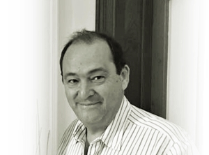 """Ricardo Ferrario, el autor de """"Gestión Integral de Plagas""""."""